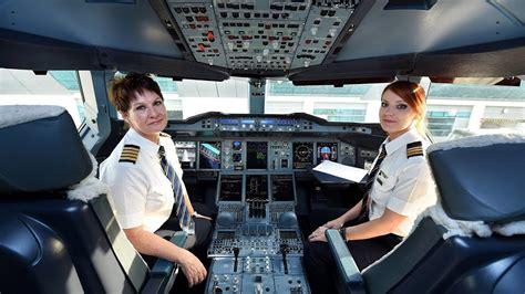 emirates superwomen airbus  flight  san francisco
