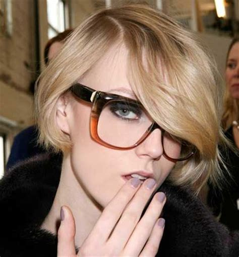 the best short hairstyles to wear with glasses hair