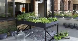 Potager Terrasse Appartement by Am 233 Nager Un Carr 233 Potager Sur Le Balcon Ou La Terrasse