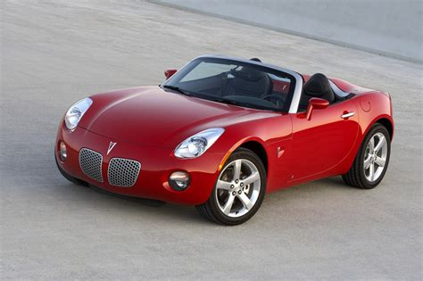 The Luxurious Of Pontiac Two Seater Sports Car Design