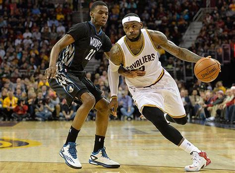NBA: Love conquers Wolves but Varejao hurt in Cavs win