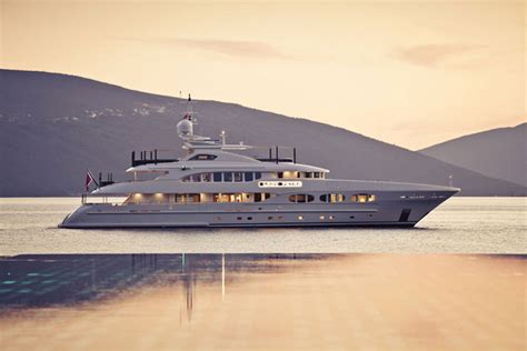 Yacht Vs Boat Difference by European Yachts Vs American Yachts What S The Difference