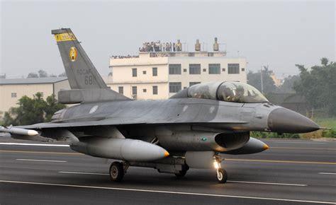 สหรัฐฯ อนุมัติแล้ว ขายเครื่องบิน F-16 ให้ไต้หวัน 8,000 ...