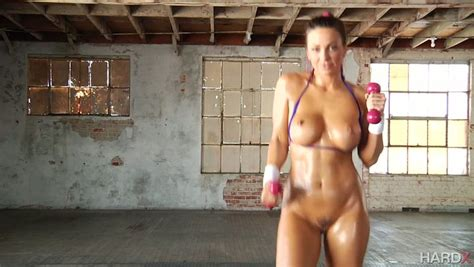 Dazzling Abigail Mac Gets Nailed After A Naked Workout