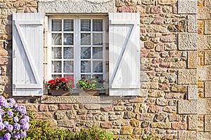 Haus Auf Französisch : typisches haus franzose bretagne stockbild bild 33003631 ~ Lizthompson.info Haus und Dekorationen