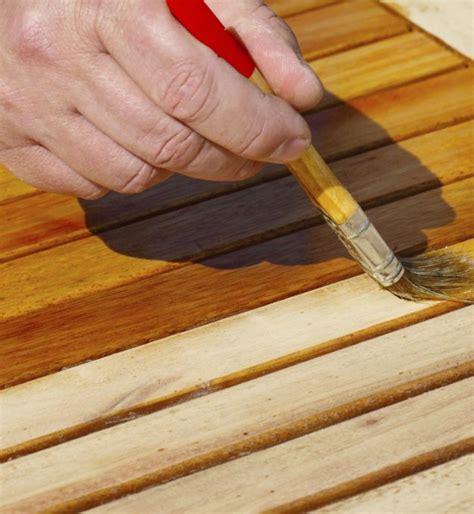 r 233 nover une table en bois relooker un meuble
