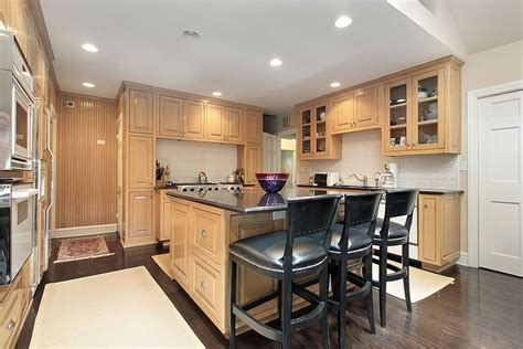 kitchen with light wood cabinets 43 quot new and spacious quot light wood custom kitchen designs 8757