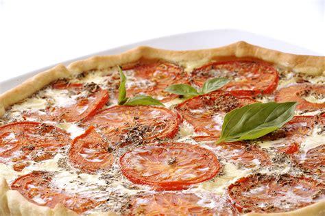 origan frais en cuisine recette tarte au thon et à la tomate entrées chaudes