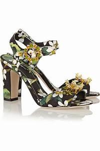 Sandalen Sommer 2015 : accessori primavera estate 2015 ricoperti da applicazioni ~ Watch28wear.com Haus und Dekorationen