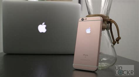 where is the flashlight on iphone how to make the apple logo on your iphone light up like a