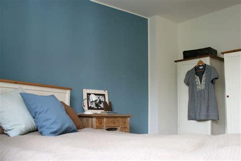 Blaue Wand Schlafzimmer by Cool Blaue Wand Im Schlafzimmer Gebluemlich