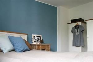 blaue wand im schlafzimmer Möbelideen