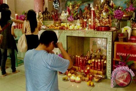 umat budha padati vihara buddha yana antara news bengkulu berita bengkulu terkini