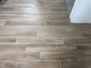 photo carrelage imitation parquet chambre parentale With france parquet