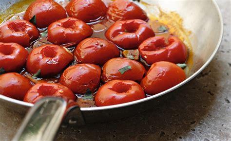 cuisine du poisson recette de tomates à la poêle par alain ducasse