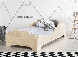Lit Enfant Sol : lit nuage en pin massif lounge mobilier en bois massif jurassien ~ Nature-et-papiers.com Idées de Décoration