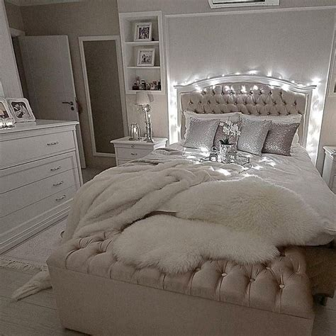 Glam Bedroom by Best 25 Glam Bedroom Ideas On Bed Goals
