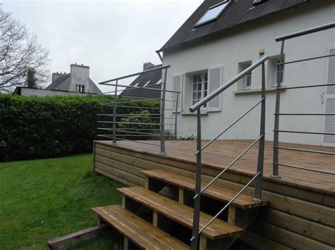 nivrem terrasse bois plus escalier diverses id 233 es de conception de patio en bois pour