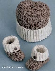 Craft Passions: Baby boy booties and hat# free # crochet