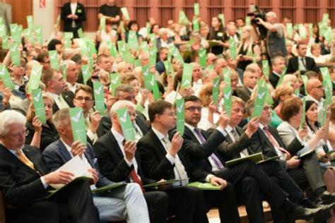 Top 3 politiskās partijas Latvijā | RIS3