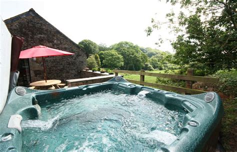 Holiday Cottages In Cornwall With Hot Tubs And Private Saunas
