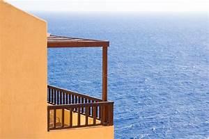 grosser balkon mit schoner seeansicht in griechenland With französischer balkon mit garten insel