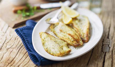 cuisiner du merlu filets de merlu blanc du cap façon meunière surgelés les poissons crustacés picard