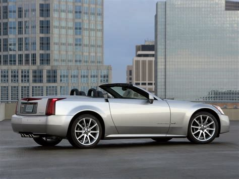 cadillac xlr  specs pictures engine review