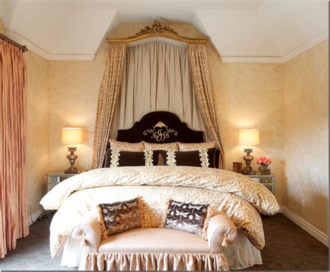 Hollywood Regency Bedrooms Style