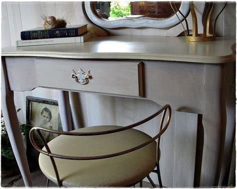 1000+ Ideas About Small Dressing Table On Pinterest