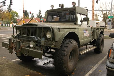 parked cars  jeep military gladiator