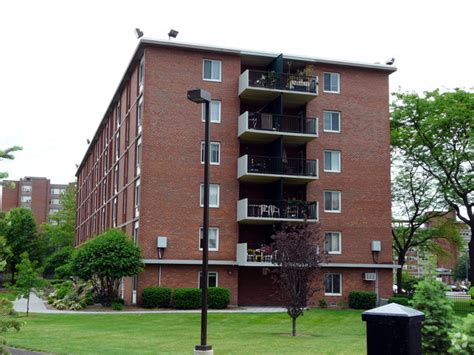 One Bedroom Apartments In New Britain Ct Regency Apartments Rentals New Britain Ct Apartments