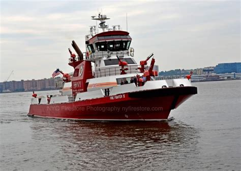 Nyc Fireboat Firefighter by Fdny S Fireboat Firefighter Ii It Is The Newest Addition