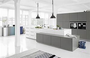 Küchen Höhen Normen : wei graue designk che in unterschiedlichen h hen geplant ~ Eleganceandgraceweddings.com Haus und Dekorationen