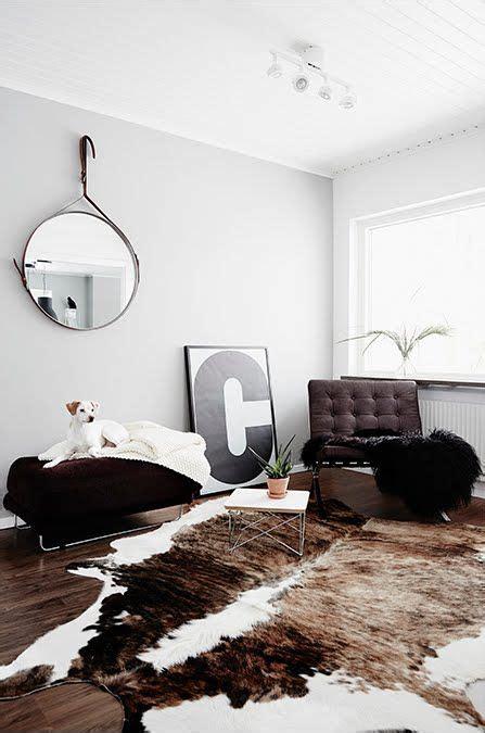 Cowhide Rug Decorating Ideas by Best 25 Cowhide Rug Decor Ideas On Cowhide