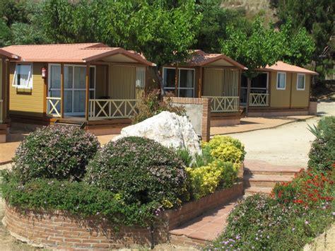 ustensiles de cuisine en bois bungalow trianon 4pax cing bungalows roca grossa