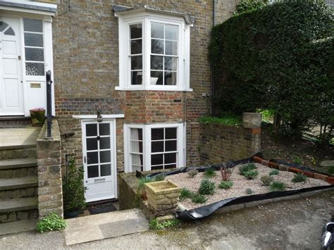 1 Bedroom Flat To Rent In Basement Flat, London Road, Gu1