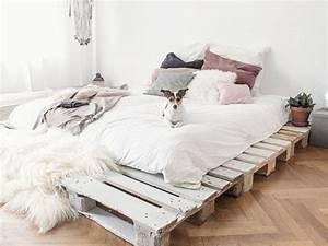 Bett Auf Paletten : einfaches bett aus paletten selber bauen ~ Michelbontemps.com Haus und Dekorationen