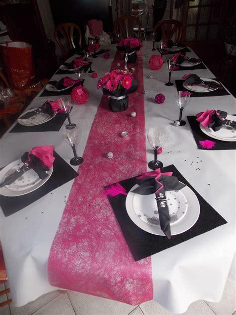 deco noir  fushia deco de table decoration table