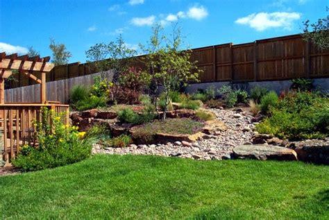 giardino in discesa muro di sostegno per terrazzo giardini giardino in