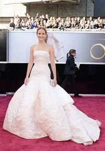 Jennifer Lawrence at Oscars 2013 Red Carpet - Fashion ...