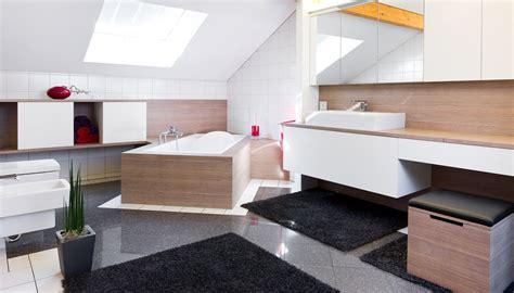 Badezimmermöbel Aufpeppen by Badezimmer Planen Renovieren Badezimmerm 246 Bel Nach Ma 223