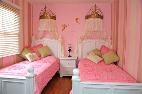 small room  twins girls girls room designs