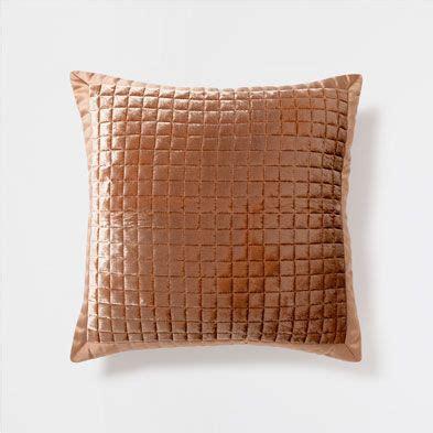 zara home cuscini cuscini letto zara home italia cose da comprare