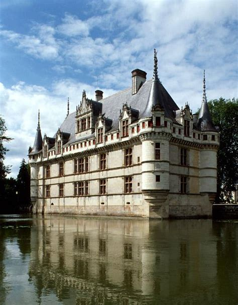 luxury guided tours to the loire valley normandy and giverny 5 nights 4 hotel 6 days