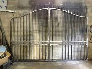 les 25 meilleures idees de la categorie allee portail fer With porte en bois moderne exterieur 13 comment installer une grille de defense