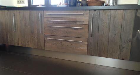 recouvrement armoire de cuisine façade en vieux chêne finition grisée