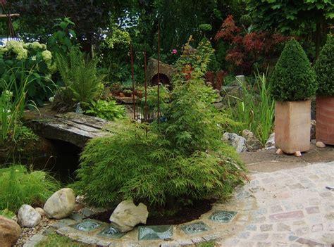 Glasbausteine Im Garten by Gartensicht Oder Ansicht Glasbausteine Im Pflaster