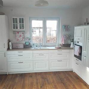 Ikea Landhausstil Küche : entdeckt die sch nsten inspirationen und ideen wei er k chen mit holzarbeitsplatten k che ~ Orissabook.com Haus und Dekorationen