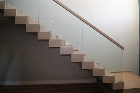 Stairs : Glass Stair Balustrades